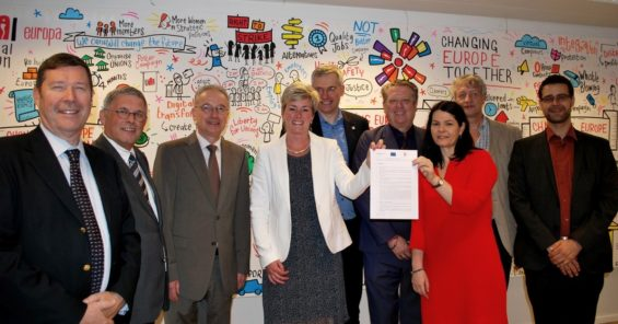 Hairdressing social partners' persistence pays off – Occupational Health and Safety Agreement finally signed!