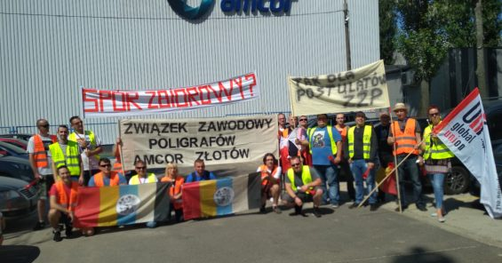 Polish Amcor employees show their muscle with new demonstration